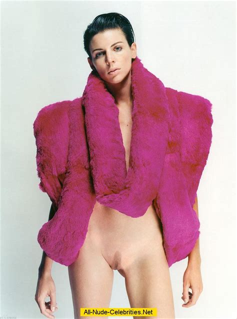 Liberty Ross exposed her small tits and pussy for magazines