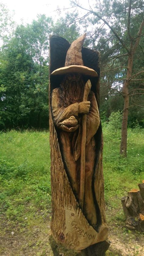 detailed wooden sculptures carved  chainsaw