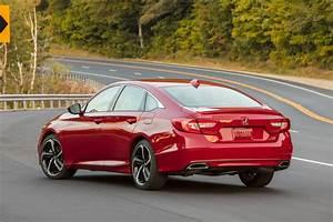 Honda Civic 2019 : 2019 honda civic vs 2019 honda accord what 39 s the difference autotrader ~ Medecine-chirurgie-esthetiques.com Avis de Voitures