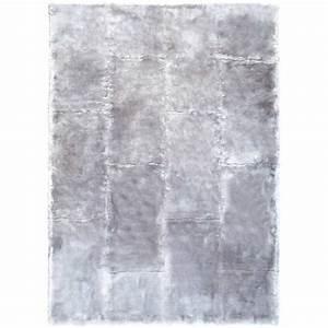 tapis de prestige gris en fausse fourrure par ligne pure With tapis fourrure gris