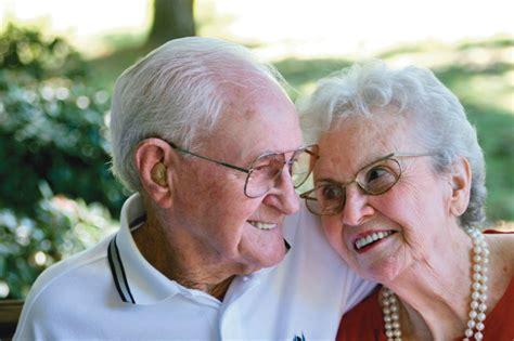 Pētījums: Cilvēki vecumā virs 65 gadiem ir mazāk pakļauti ...