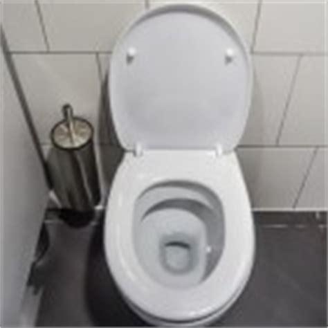 wc verstopt niets helpt tips voor oplossen van verstopte wastafel of keukenafvoer