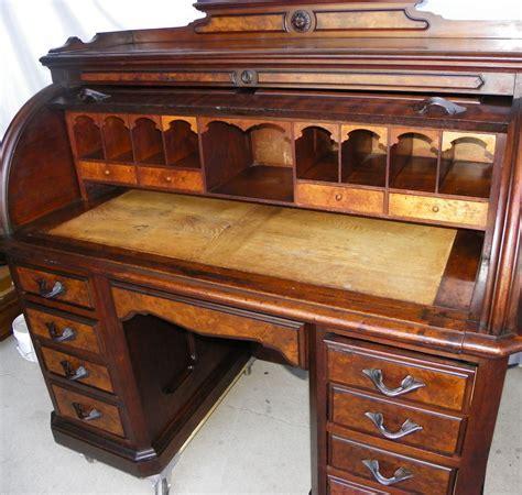 Bargain John's Antiques   Antique Victorian walnut