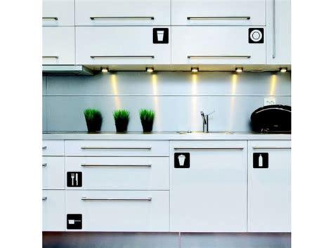 sticker porte cuisine cuisine 12 astuces pour relooker facilement vos placards