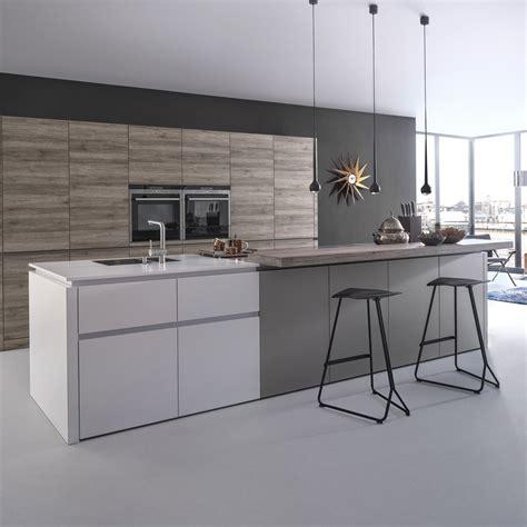 cuisine laque blanc tendance une cuisine bois et laque décoration