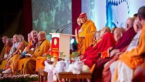 essay on gautam buddha in hindi