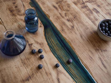 Kunstharz Für Holz by Astl 246 Cher In Tischplatte Mit Kunstharz Ausgie 223 En