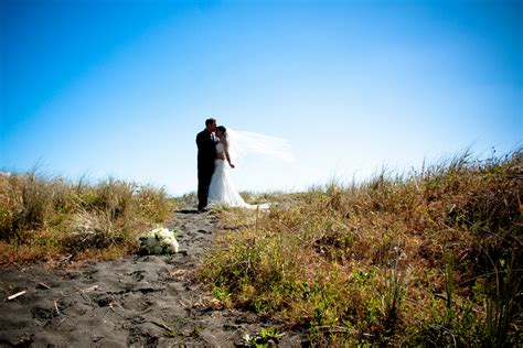 castaways resort auckland lookbook wedding photo