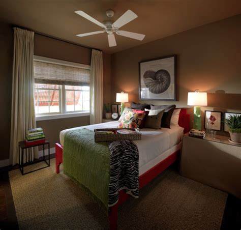 Guest Bedroom Paint Color Ideas by Guest Bedroom With Brown On The Wall Design Bookmark 7162