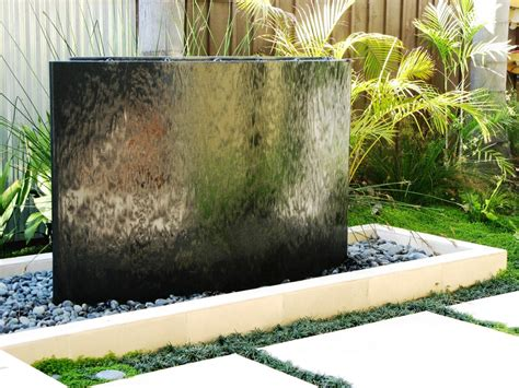 outdoor water wall 49 amazing outdoor water walls for your backyard digsdigs