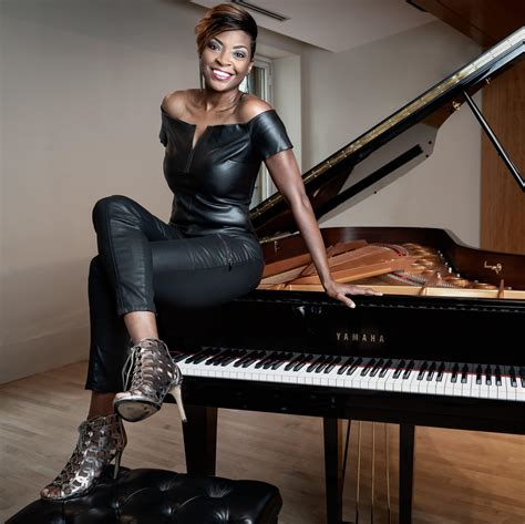 speaker jade simmons leadership expert world class pianist