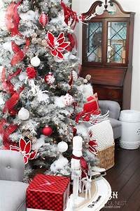A, Classic, Red, And, White, Tree