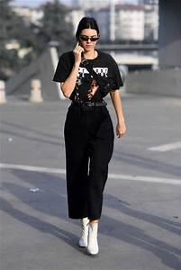 Jeans boyfriend jeans kendall jenner kardashians streetstyle milan fashion week 2017 ...