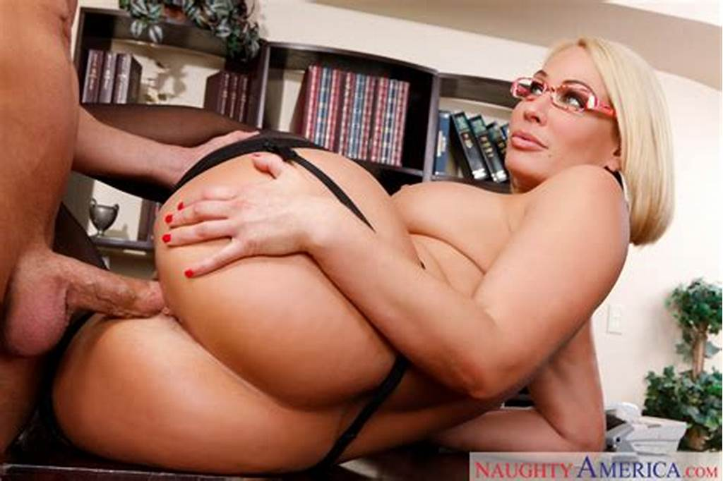 #Mellanie #Monroe #Fucking #In #The #Office #With #Her #Big #Tits