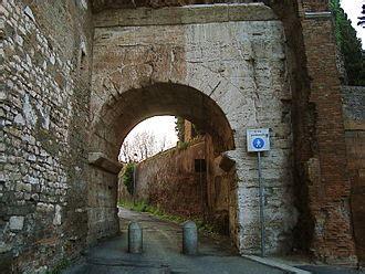 Unicite Porta Di Roma by Porta Caelimontana E Porta Querquetulana