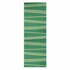 Tapis de couloir are zebre vert sofie sjostrom design 70x100 for Tapis couloir avec canapé au sol modulable