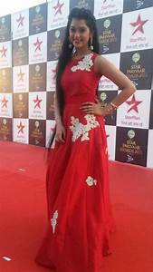 Digangana Suryavanshi in Red Sleeveless Gown at Star ...