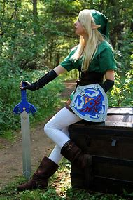 Female Link Cosplay