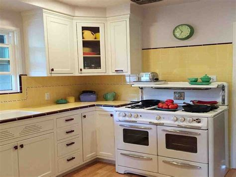 custom kitchen cabinet makers 31 best semi custom kitchen cabinets images on 6354