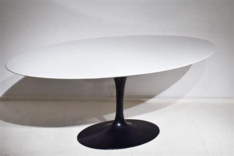 Eero Saarinen Tisch by Saarinen Tulip Tisch Ovaler Platte 198cm Knoll