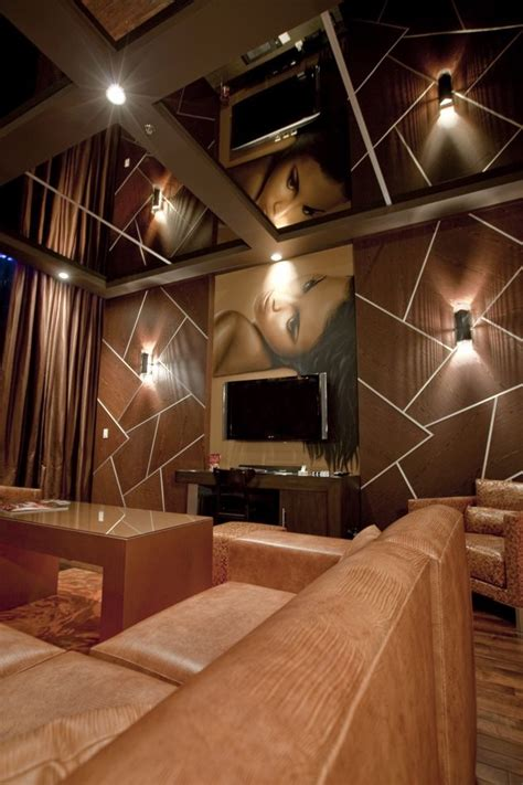 pool suites   hard rock hotel las vegas  chemical