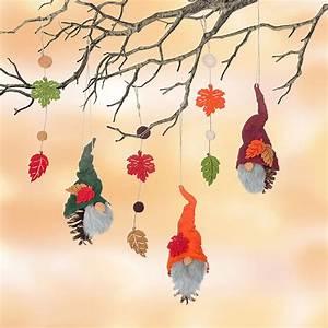 Basteln Mit Tannenzapfen Herbst : bastelanleitung h ngedeko mit herbstlichen zapfenwichteln ~ Eleganceandgraceweddings.com Haus und Dekorationen