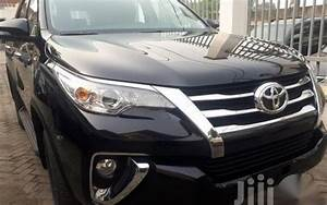 Selling 2nd Hand Toyota Fortuner 2017 Manual Diesel At