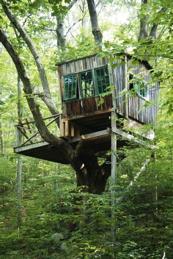 relaxshackscom ten drool worthy rustic tree houses   woods