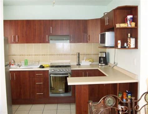 foto cocina integral  barra de cocinas  closets del