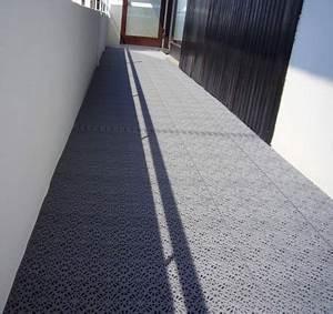 Platten Für Balkon : balkon mit boden bel gen aus wetterfesten kunststoff ~ Lizthompson.info Haus und Dekorationen