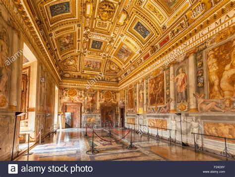 Libreria Vaticano by Inside The Galleries Of The Vatican Museum Interior