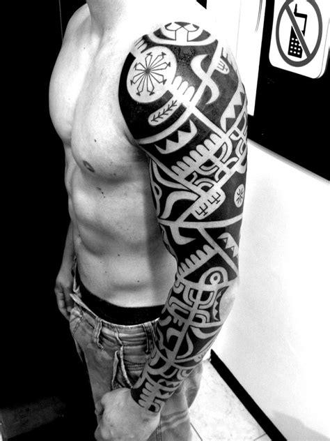 tatuaggi fiori braccio uomo tatuaggi braccio uomo lifestar it