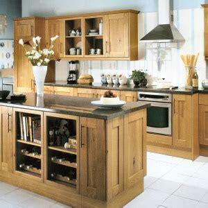 tewkesbury oak kitchen  howdens joinery  tewkesbury
