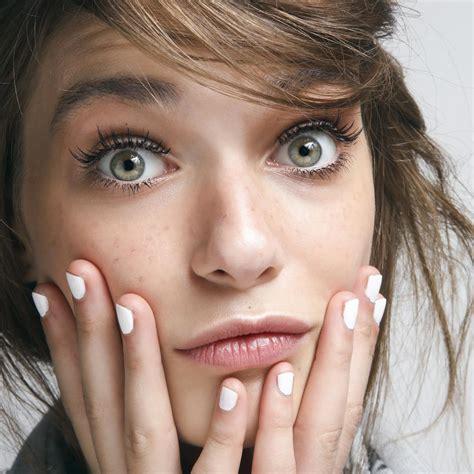 Comment maquiller des yeux verts ? . Vogue Paris