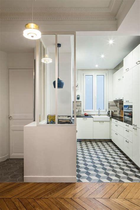 cuisine moderne focus sur une cuisine semi ouverte avec verri 232 re c 244 t 233 maison