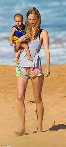 Gemma Ward shows off bikini body with daughter Naia and ...