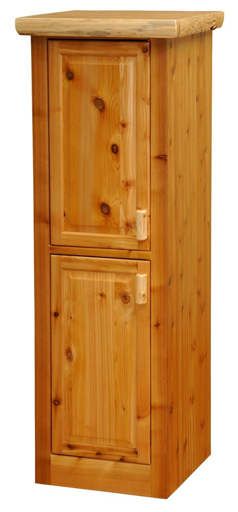 cedar 24 quot right hinged linen cabinet with 2 single doors