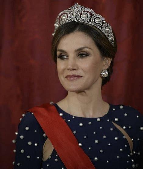 Queen Letizia Dazzling Cartier Tiara For Gala Dinner