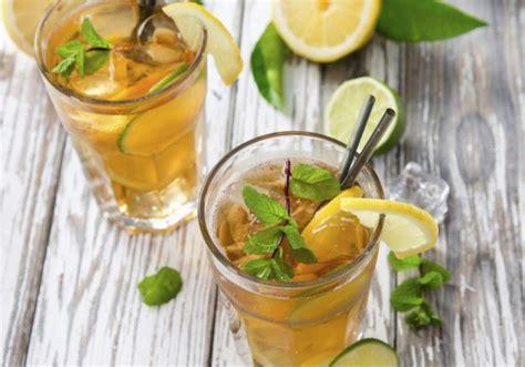 7 Getränkideen, Die Euch Helfen, Den Tag über Genug Zu