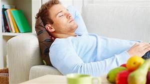 Im Sitzen Schlafen : schlafsofas ausklappbare oder ausziehbare bettsofas zum sitzen und schlafen sind ideal um ~ Watch28wear.com Haus und Dekorationen