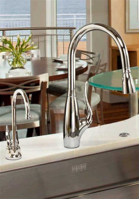 Franke FF2400R Single Lever Pull Down Spray Faucet with