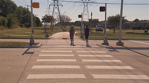 hawk signal  planos bluebonnet trail helps pedestrians cross traffic wfaacom