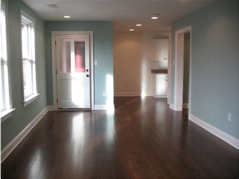 loudoun street  floor apartment