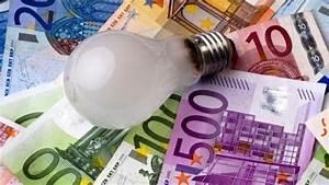 Come risparmiare con le bollette luce è possibile facendo piccoli trucchi