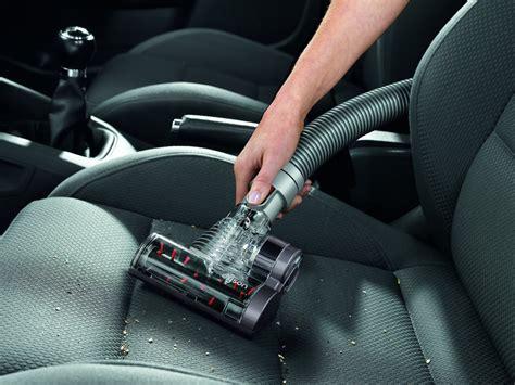 nettoyage siege voiture test du kit nettoyage voiture dyson pour aspirateurs dyson