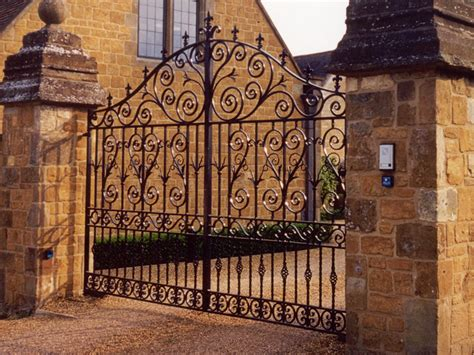 bespoke commissions cotswold decorative ironworkers