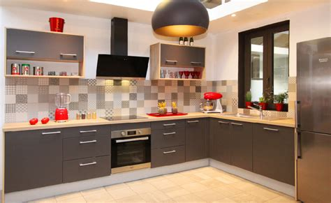fabricant cuisine espagnole fabricant cuisine simple cellier gris chaud verrire hotte fabricant cuisine style cottage