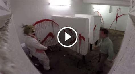 chainsaw massacre prank   bathroom twinztv thumb