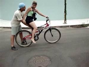 Tamarah Indaiatuba Aprendendo a andar de bicicleta ...