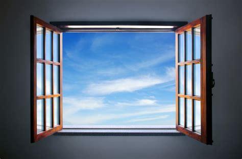 Holzfenster Streichen Der Vorbereitung Bis Zum Neuen Anstrich by Holzfenster Streichen Ist Mit Richtiger Anleitung Kein